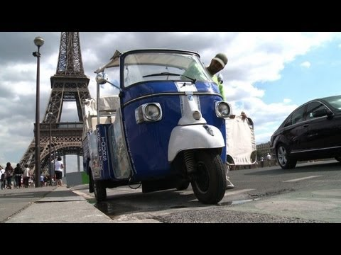 tourists in luck luck as paris welcomes tuk tuk youtube. Black Bedroom Furniture Sets. Home Design Ideas