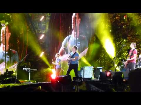 Coldplay - Yellow - Live @ Stade de France le 02 09 2012