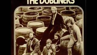 Play Dunphy's Hornpipe / Leitrim Fancy / Down The Broom (Live)