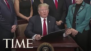 2017-10-12-17-23.President-Donald-Trump-Signs-Obamacare-Relief-Executive-Order-TIME