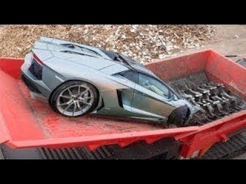 Gak Pandang Bulu Kalau Melanggar, Mobil Apapun Langsung Dihancurkan Oleh Mesin Penghancur Ini