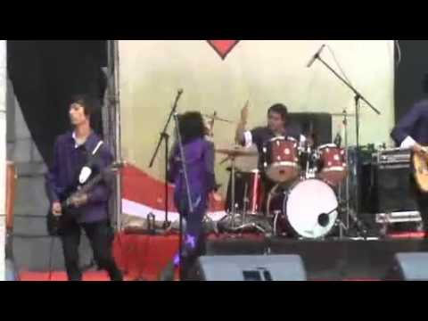 jakarta band festival 2011 from Bank indonesia best band n best vocalist.mp4