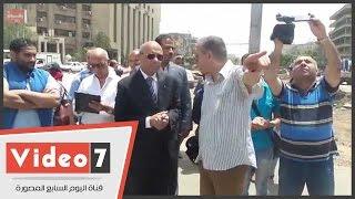 """فى حضور محافظ القاهرة.. أمين شرطة لموظف بالحى: """"إنت أحسن واحد فيهم"""""""