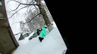 Наркоманка в Новокузнецке роет как собака) Мне бы такую в огород прикол