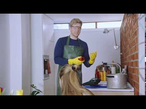 Youtube preview av filmen Kan ikke lage badehette til mora di når denne er full av ketchup