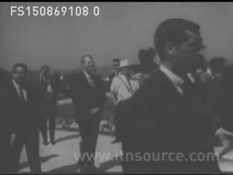 Yul Brynner & Roman Polanski in Sharon Tate's funeral (1969 - Footage)