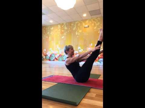 Unique Universal Yoga Vinyasa Sequence for Core Strength