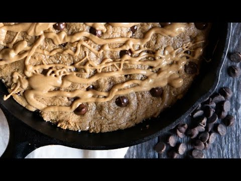 Flourless Peanut Butter Chocolate Chip Cookie Skillet Recipe