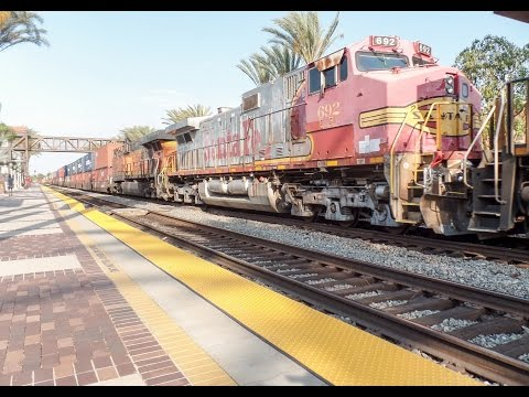 6-21-16! Railfanning Fullerton CA, station! Plenty of ATSF power and more!!!