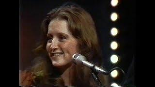 """Bonnie Raitt  """"Soundstage"""" PBS TV - Dec  17th, 1974"""
