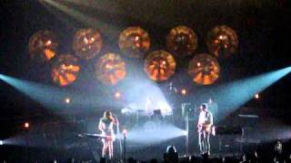Blonde Redhead - Penny Sparkle (Live at Esplanade)