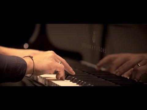 Chris Gall, Bernhard Schimpelsberger - SONG OF JUNE (Official Video)