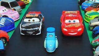 Disney Cars 3 : Lightning McQueen VS Phil Tankson