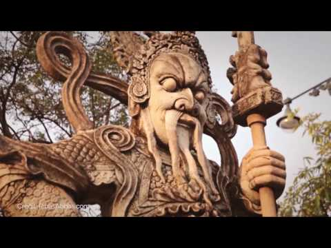 2 minute travel guide to Thailand