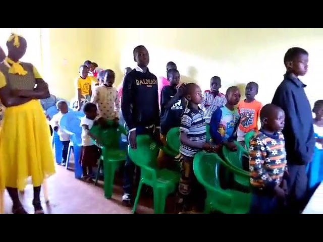 Haron Signing With Children English 8 19 2018