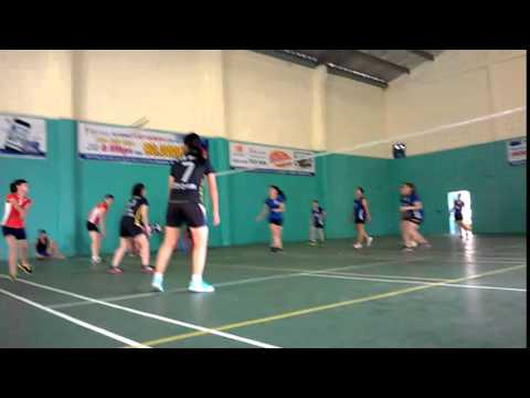 Giao lưu bóng chuyền nữ: CLB MHT - CLB THĂNG LONG