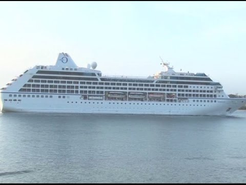 Cruise ship with over 1000 tourists docks in Mombasa