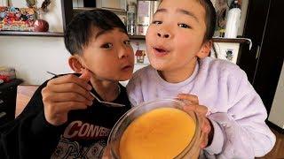 スコッププリンを食べるRino&Yuuma