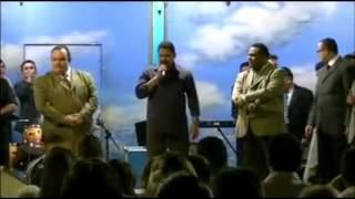 Cover images Cantor Zezo cantando na Cruzada Evangélica em Natal