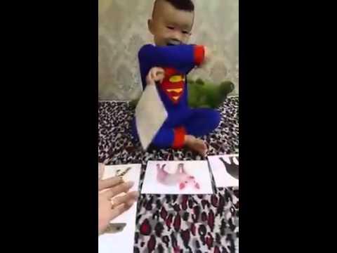 Bé Tôm 2 tuổi học Thế giới xung quanh theo phương pháp Glenn Doman