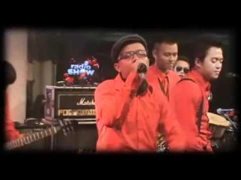 Bandung Inikami Orcheska - kupu Kupu Kaca Live @Radioshow TvOne.mp4