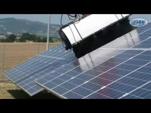 Pulizia pannelli solari u emme manta solar youtube for Pannelli solari solar