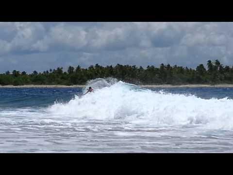 Spot de surf Avatoru, Rangiroa, Tuamotu, Polynésie Française