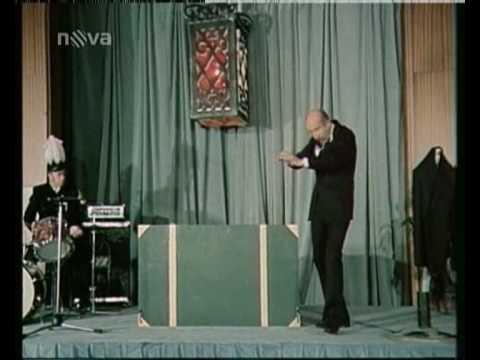 Petr Nárožný kouzelníkem...