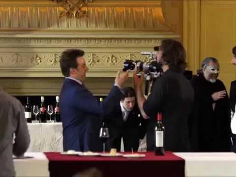 Charlie Arturaola filme The Duel of Wine au Théâtre du Châtelet à Paris