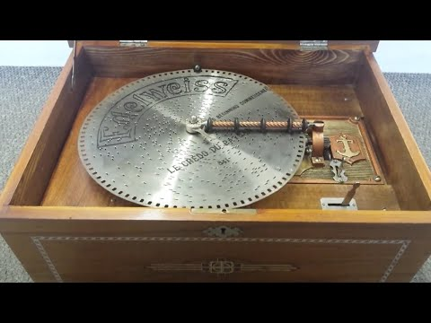 Music Boxes at New Years Day 2016 Auction