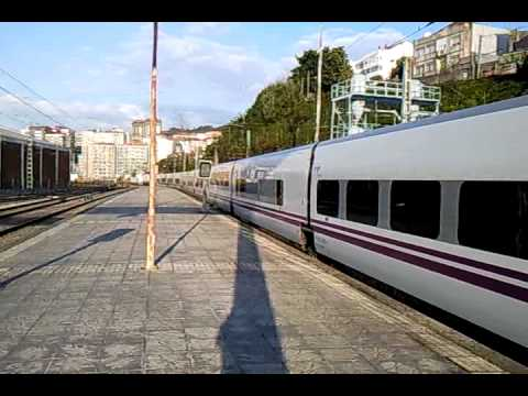 Tren hotel vigo barcelona youtube for Barcelona paris tren hotel