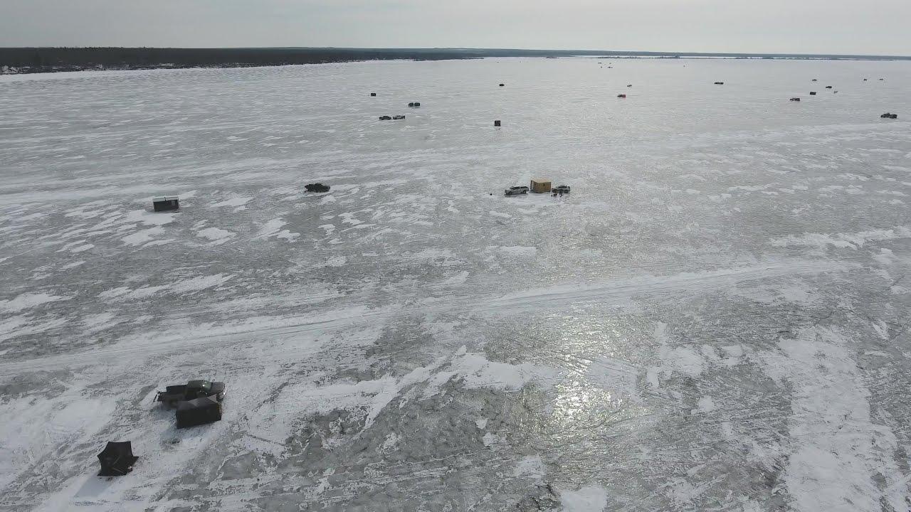 Ice fishing on lake winnipeg manitoba 4k youtube for Lake winnipeg fishing report