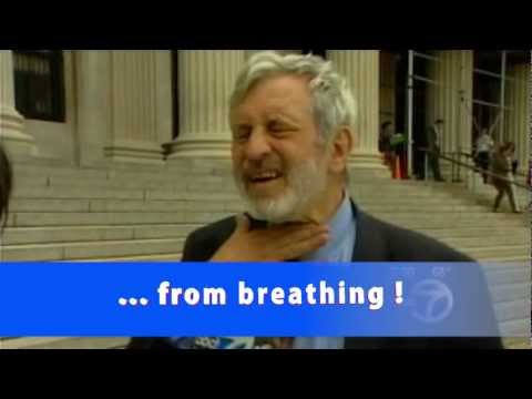 NYPD Cop hits Supreme Court Judge in the throat !