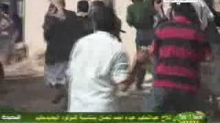 يمني مزق كتاب الله في صنعاء فمزقه الله (قناة السعيدة)