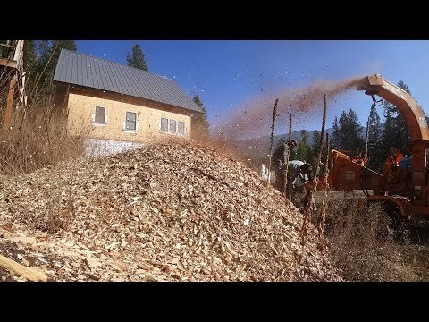 oddly-satisfying!-making-wood-chips-from-junk-wood!