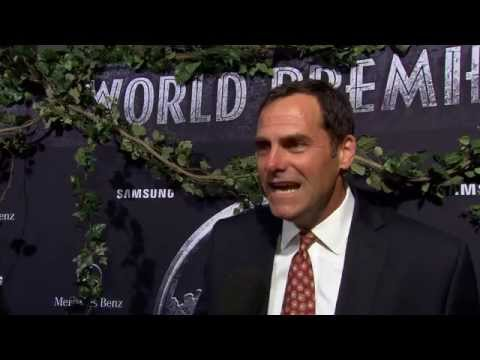 Jurassic World Premiere Interview - Andy Buckley streaming vf