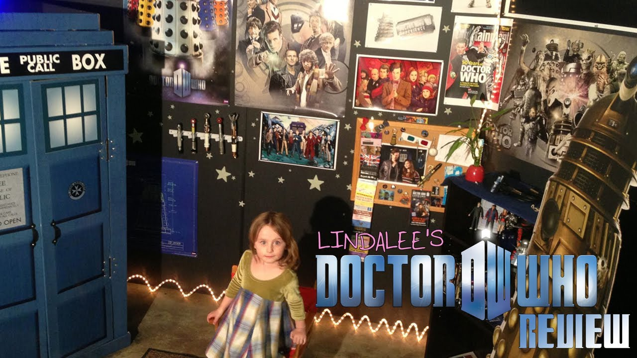 Lindalee Rose's Behind the Scenes Tour of her Doctor Who Review set…