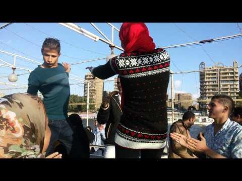 اجمد رقص شباب وبنات thumbnail