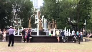 Поющий фонтан 7 невест. Построен в Уфе к саммитам ШОС и БРИКС.