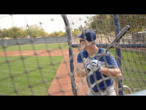 Dodgers Spring Training: Chase Utley, Corey Seager Take BP