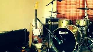 Vegetarian. - Guitar, bass,vocals, trumpet John Banks. Drums, screws in a beer bottle, Nick Ashcroft