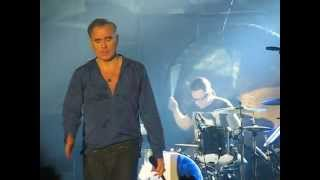 Morrissey - Trouble loves me (Zagreb 2014)