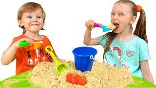 Лиза и Миша их игры и приключения на каникулах