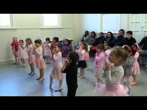 Ballet class at Momentum