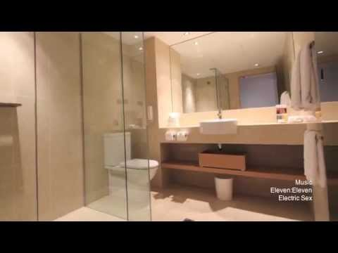 RoomCritic Hotel Video Review | The Royce Melbourne