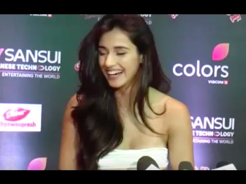 Stardust Awards 2016 | Disha Patani INTERVIEW at Stardust Awards 2016
