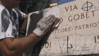 Bari, croci celtiche sulla targa in via Gobetti