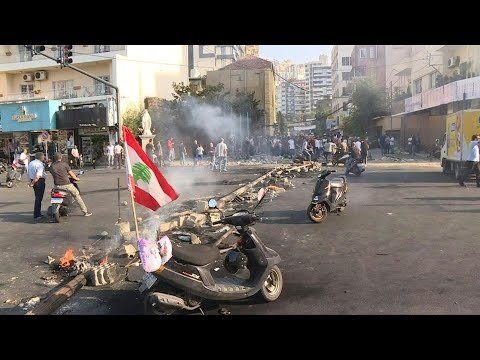 afpbr: Manifestantes bloqueiam estradas no Líbano | AFP