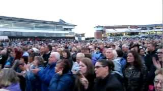 Tom Jones singing It's Not Unusual LIVE in Chester-le-Street Riverside Park Durham July 2012