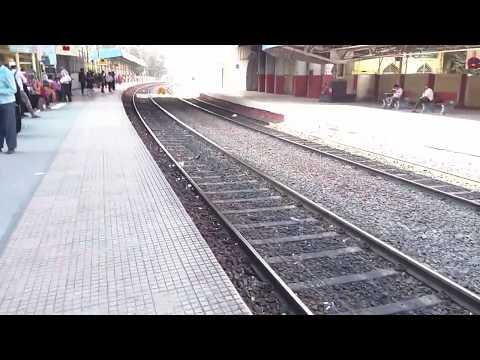 Hyderabad MMTS Train To Hyderabad Metro Rail Transfer at Begumpet Vlog